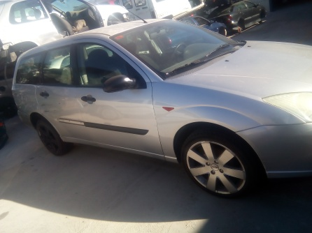FORD FOCUS FAMILIAR (2)